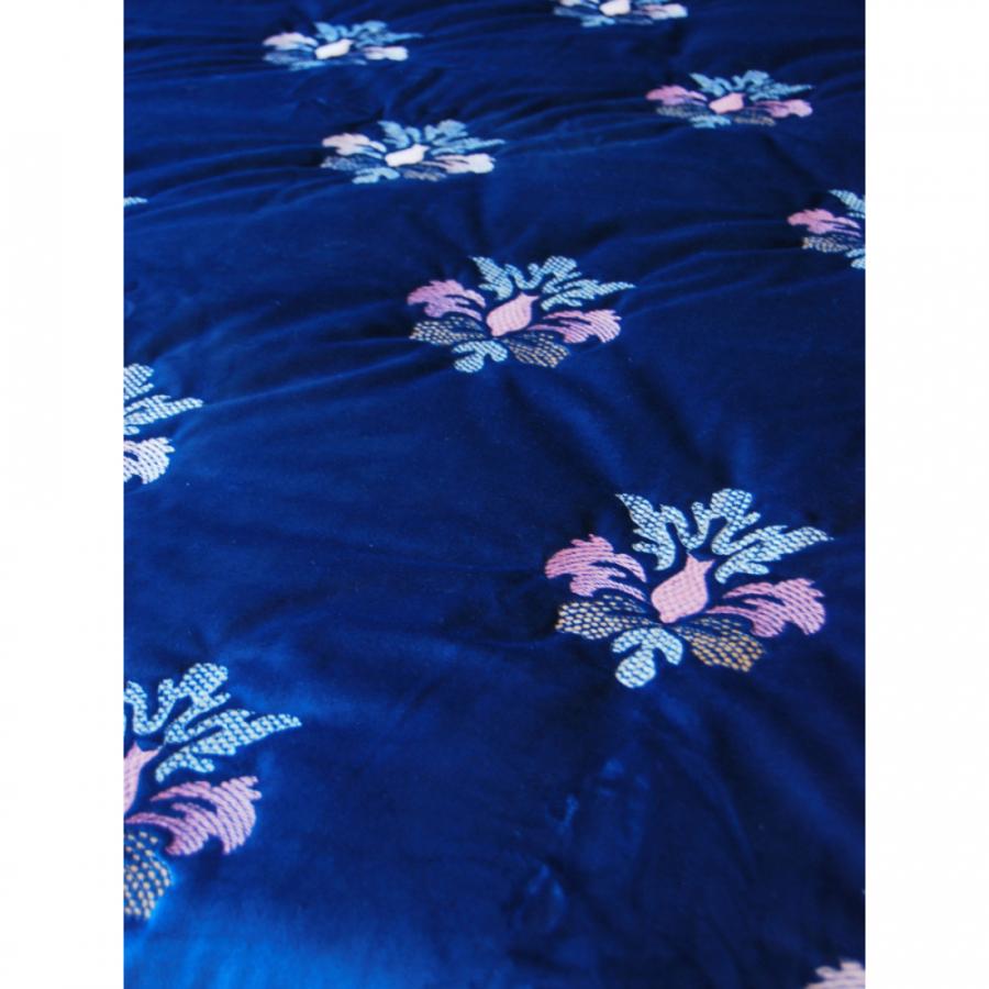 """Покрывало бархат-велюр с орнаментом """"Цветы"""" в комплекте с подушками"""