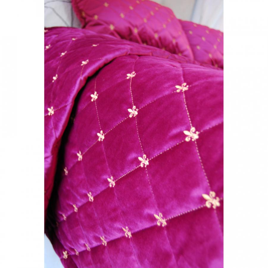 """Покрывало бархат-велюр стёжка-вышивка """"Французская лилия""""в комплекте с подушками"""